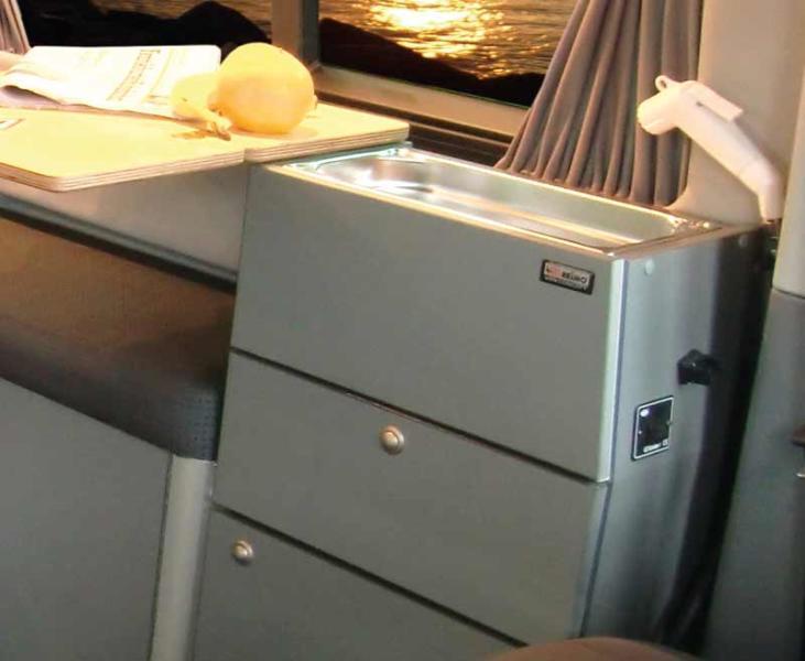 VW T6/T5 Weekender Plus Küchenmodul mit Minispüle, Wasseranlage & Auszug
