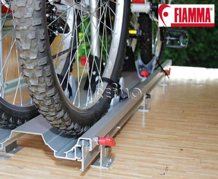 Porte-vélos pour le garage arrière