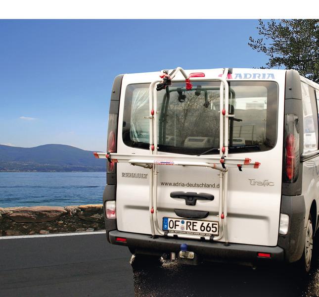 Alu-Heckträger Carry Bike für 2 Räder Renault Trafic Heckklappe