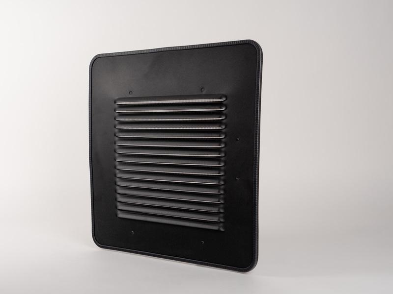 <p> Grille de ventilation pour vitre coulissante CARBEST VW T5 / T6 à droite </p>