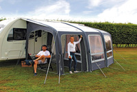 Inflatable, very roomy caravan tent section