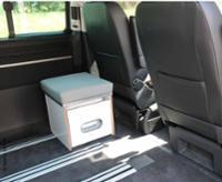 Porta-Potti-Box mit HPL-Schichtstoff Weiß mit Polsterauflage in grau