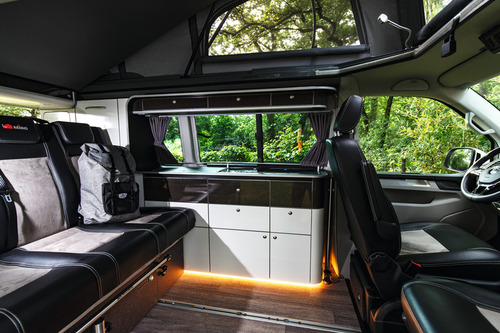 TrioLoft Möbelzeile als Fertigteil für VW T6 ohne Technik