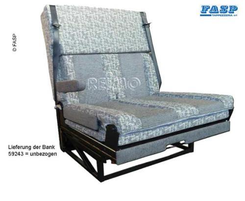 Zit/slaapbank, één zijarmsteun, 3-puntsgordels, bed: 1700x1000mm