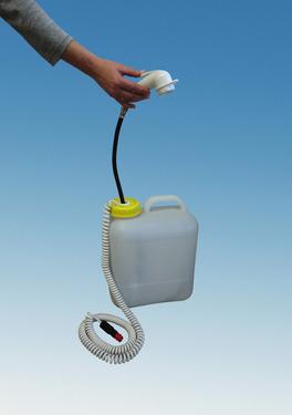 Doccia mobile Solo con ampio contenitore per il collo