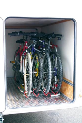 Carry Bike Garage Plus til 2 / max. 4 hjul