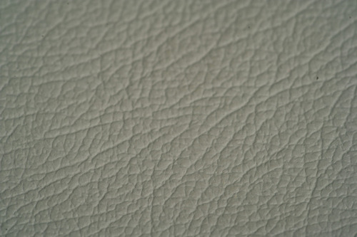 Automobil-Leder grau, ganze Haut, Preis pro m²