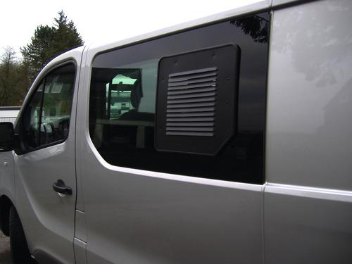 Lüftungsgitter für Schiebefenster links/rechts Renault Trafic + Opel Vivaro ab 2014