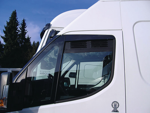 Lüftungsgitter für die Fahrerhaustür - Iveco Daily ab Bj. 2014